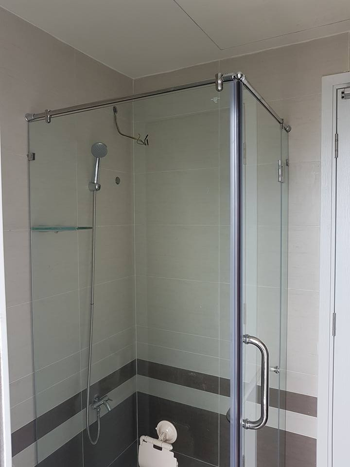 Phòng tắm kính 09