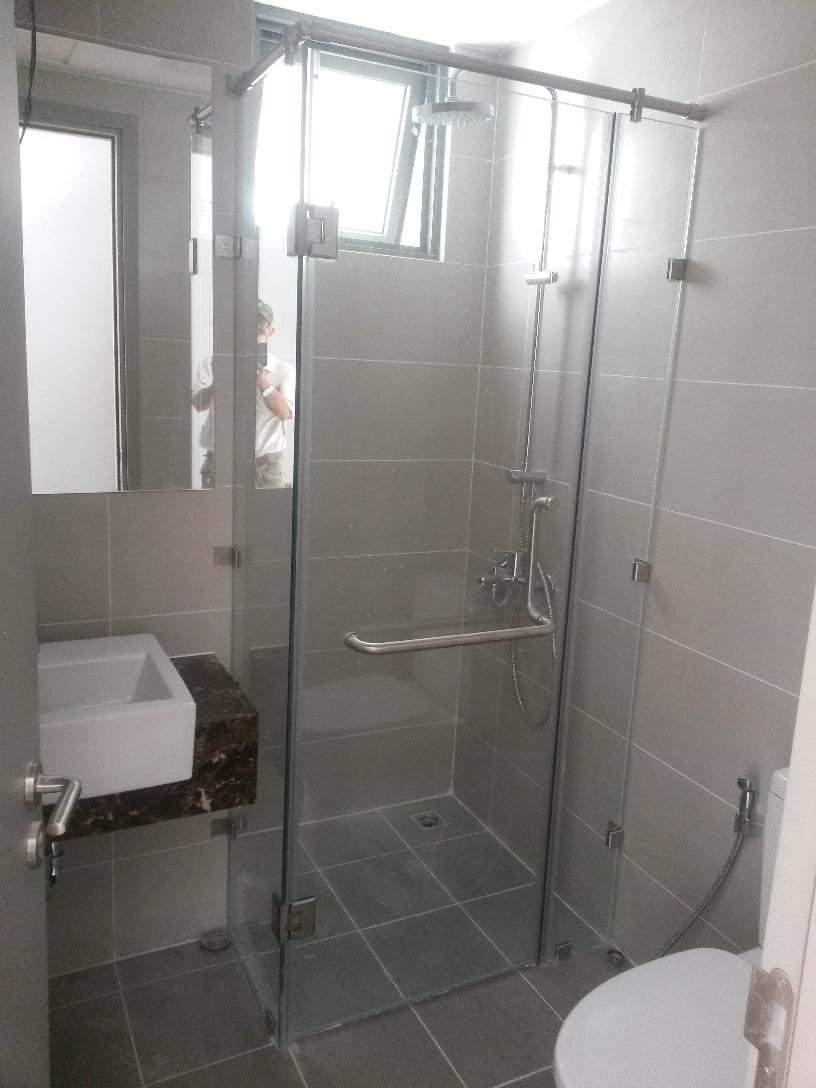 Phòng tắm kính 10
