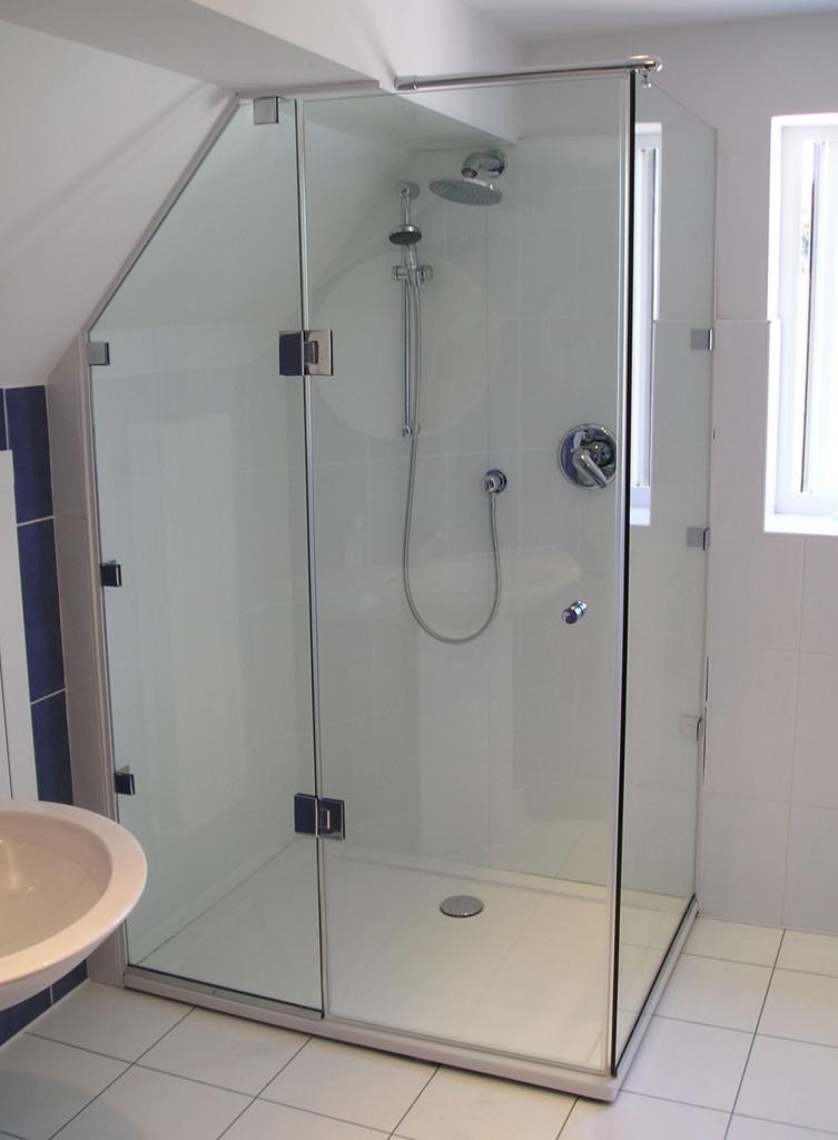 Phòng tắm kính 11