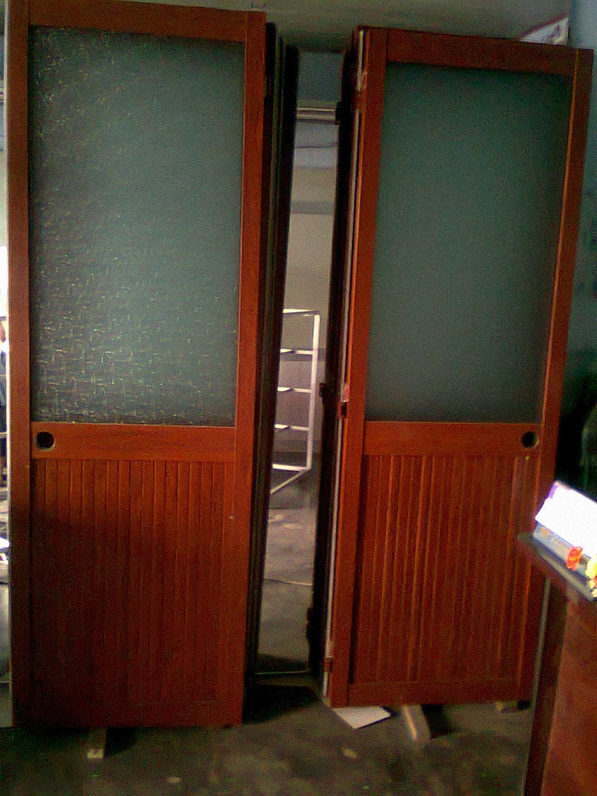 Cửa đi hệ 700 - 08